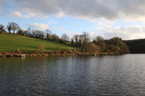 pêche en reservoir, réservoir mouche, pêche à la mouche en Bretagne, guide de pêche en Bretagne, Réservoir St Conan, Jean-Baptiste Vidal Moniteur-Guide de pêche, Enjoy Fishing